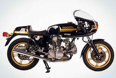 Stuart Par Collection Of Classic Italian Motorcycles - Ducati MV Agusta and Magni - Supercompressor.com