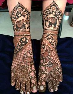 Find out the best bridal mehndi designs for foot and legs. Choose from the easy mehndi design images shown here with different patterns of floral, peacock, leaf-like. Leg Mehendi Design, Peacock Mehndi Designs, Leg Mehndi, Indian Mehndi Designs, Mehndi Designs 2018, Unique Mehndi Designs, Mehndi Design Pictures, Mehndi Designs For Hands, Mehandi Designs