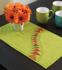 #DIY Springtime Placemat - Free Pattern available at Joann.com