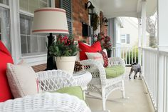 Home for the Holidays ~ Front Porch for those in the warmer climate...how festive! Love this