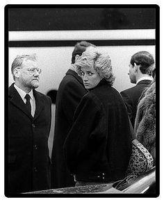 11 MARCH 1988 PRINCE CHARLES & PRINCESS DIANA END KLOSTERS SKI HOLIDAY AFTER FATAL AVALANCHE KILLED MAJOR HUGH LINDSAY