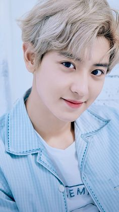 ❥ exo exo pcy park chanyeol loey Shopping For The Right Mattress Most people are unaware that their Baekhyun, Foto Chanyeol Exo, Chanyeol Cute, Exo Chanbaek, Exo Ot12, Kpop Exo, Exo Kai, F4 Boys Over Flowers, Exo Lockscreen