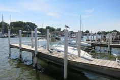 Freep 5: Laid-back places to eat by the water