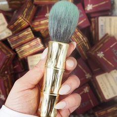 Brush your contouring problems away with our beautiful Hoola brush.