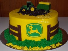"John+Deere+-+3+layer,+8""+buttercream+cake+w/fondant+decorations.+Tractor+is+plastic.+TFL!"