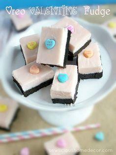 Oreo Valentine's Day Fudge at sewlicioushomedecor.com