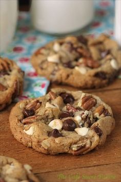 DESSERTS I Want to Marry You Cookies - Probably the best chocolate chip cookies you'll ever have the honor of meeting. Expect the unexpected with these gems! Easy Cookie Recipes, Cookie Desserts, Just Desserts, Sweet Recipes, Baking Recipes, Dessert Recipes, Cookie Favors, Cookie Cups, Simple Recipes