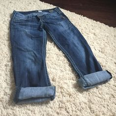 Silver Capris Silver Santorini capris in good condition. Silver Jeans Jeans Ankle & Cropped