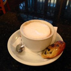 Dry cappuccino, Cafe Lucca #coffee #IHeartOnTheHunt #OldTowneOrange