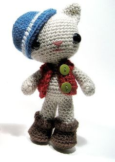 Oh my, I'm SO in love with this little fella, gotta start crocheting again O.O