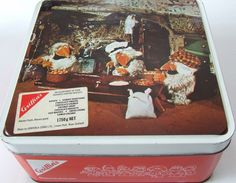 "1975 Griffins ""The Wombles"" biscuit tin. Cool tin from the mid when The Wombles were heavily merchandised in NZ. I also had a Wombles duvet cover with curtains to match ! Kiwiana, Vintage Tins, My Childhood Memories, Dundee, New Zealand, Nostalgia, Cool Stuff, Griffins, 20 Years"