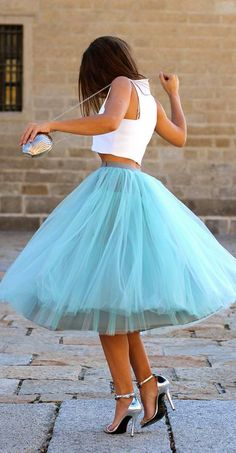 Tutus aren't just for toddlers! This ultra feminine outfit features a vibrant blue tutu w/ a white cropped top & metallic heels. Talk about a showstopping ensemble! The Dress, Dress Skirt, Gown Dress, Baby Dress, Midi Skirt, Blue Tulle Skirt, Tulle Skirts, Blue Tutu, Long Tutu