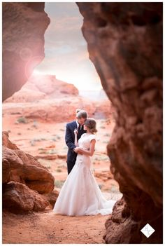 First look, bride poses, groom poses, groomals, bridals, red rock bridals, couple poses, Haizel Creations_0026
