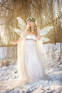 FA3 Fairy Wings Jolien-Rosanne from the Netherlands wearing her Teasel wings in clear with silver veins