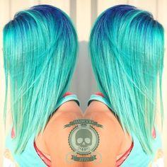 Raíces azul marino | 21 Colores atrevidos que te inspirarán a teñirte el cabello en 2016