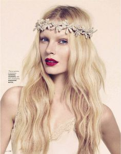 Anastasija Kondratjeva by Nelson Simoneau for Elle Ukraine, June 2012 3  tossled wavy hair, soft eye shadow and red berry pout :)