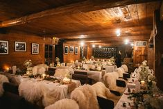 Winter wedding in Alps inspiration | Image by Zephyr & Luna French Wedding Style, Burlap Table Runners, Civil Ceremony, Here Comes The Bride, Alps, Wedding Vendors, Wedding Portraits, Beautiful Bride, Wedding Styles