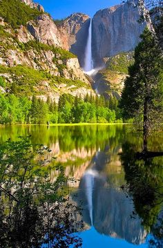 6.National Park in the Sierra Nevada of California U.S.A