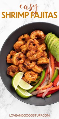 These easy chilli spiced shrimp fajitas are cooked stove top in a cast iron skillet in just 20 minutes. The perfect healthy weeknight meal! Shrimp Recipes, Meat Recipes, Mexican Food Recipes, Whole Food Recipes, Vegetarian Recipes, Healthy Recipes, Chilli Spice, Easy Chilli, Pescatarian Diet