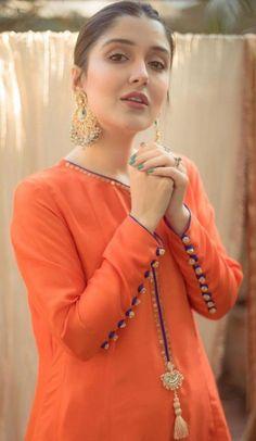 Pakistani Fashion Party Wear, Indian Fashion Dresses, Indian Designer Outfits, Designer Dresses, Fashion Outfits, Girls Dresses Sewing, Stylish Dresses For Girls, Simple Dresses, Casual Dresses