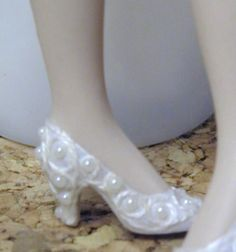 how to: shoes by Priska of Regalia dolls