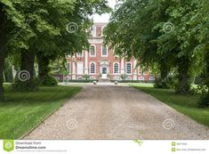 tree-lined-driveway-to-mansion-gravel-lane-leading-stately-georgian-chichelley-hall-buckinghamshire-great-britain-32211630.jpg 1,300×957 pix...