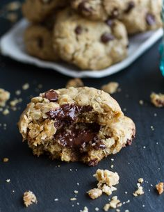 Simple Oatmeal Chocolate Chip Cookies