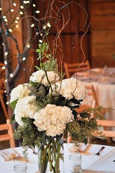 Rustic hydrangea centerpiece at Pratt Barn. Design by Rose of Sharon Floral Designs, via Flickr. Photo by Bettencourt Chase #Flower Arrangement| http://flowerarrangementideas.hana.lemoncoin.org