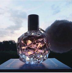 Imagem de clouds, perfume, and sky