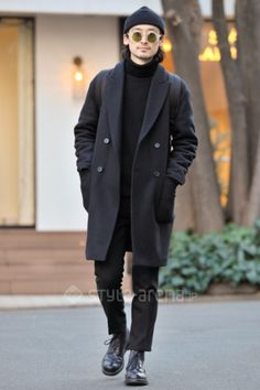 Urban Street Style, All Black, Tokyo, Men's Fall Winter Fashion.