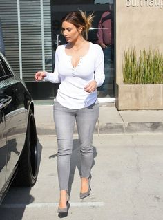 Kim Kardashian wearing Black Orchid Jewel Skinny Jean in Ice Saint Laurent Paris Suede Pump Splendid Thermal Button Henley Top in White.laid back style Kardashian Photos, Kardashian Style, Kardashian Fashion, Kardashian Jenner, Kylie Jenner, Casual Outfits, Cute Outfits, Heels Outfits, Fashion Outfits
