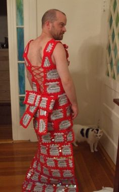 Ha ha ha ...Oh my ....Beer can crochet dress, awesome!  However I really won't make this one but to funny not to share for those crochet lovers!