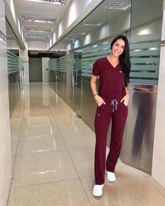 Medical doctor outfit sexy nurse Ideas for 2019 Scrubs Outfit, Scrubs Uniform, Cute Nurse, Sexy Nurse, Nurse Aesthetic, Beautiful Nurse, Cute Scrubs, Medical Scrubs, Nursing Scrubs