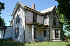old-decrepid-farmhouse.jpg