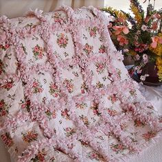 LOVE LOVE LOVE! This pretty rag quilt is actually meant for a nursery, but it would be great in any room.                                                                                                                                                                                 Mehr