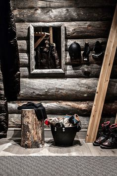 ♂ Masculine, crafty & rustic dark interior design hallway