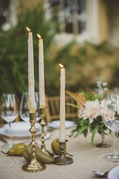 As much as we love votive candles on tabletops, these brushed white & gold candlesticks are winning us over. They're a great way to give your tablescape an elegant and romantic touch.