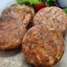 Crispy baked hash brown recipe that is Slimming World and Weight Watches friendly and low calorie. Baked Hashbrown Recipes, Pink Foods, Cooking Recipes, Healthy Recipes, Slimming World Recipes, Hash Browns, Family Meals, Banana, Sugar