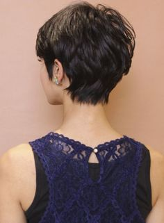 short hair back Short Hair Back, Asian Short Hair, Short Hairstyles For Thick Hair, Haircut For Thick Hair, Short Hair With Layers, Short Hair Cuts For Women, Curly Hair Styles, Japanese Short Hair, Love Hair