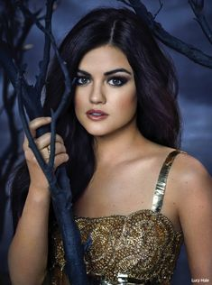 Pretty Little Liars EW cover- Lucy Hale