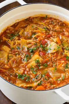 Cabbage Roll Soup – Cooking Classy The best Cabbage Roll Soup recipe! You get all the flavors of cabbage rolls with out all the hassle! This soup is easy to make and deliciously flavorful. Cabbage Roll Soup, Cabbage Rolls, Stuffed Cabbage Soup, Cabbage Recipes, Russian Cabbage Soup Recipe, Potato Recipes, Soup And Sandwich, Soup And Salad, Soups And Stews
