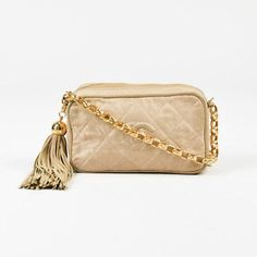 Vintage Chanel Beige Quilted Chain Strap Tassel 'cc' Shoulder Camera... (1 663 580 LBP) ❤ liked on Polyvore featuring bags, handbags, shoulder bags, quilted leather handbags, camera bags, shoulder strap bags, leather purses and white leather shoulder bag