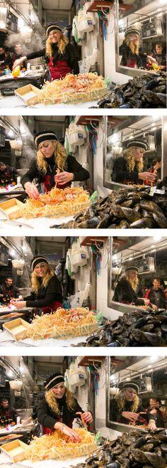 La Sandra, del #mercat de Sant Andreu, en acció durant la #nitdetapes de la tardor de 2013 #tapa