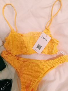 Swimwear p i n t e r e s t sarah e… Summer Bathing Suits, Cute Bathing Suits, Summer Suits, Yellow Bathing Suit, Yellow Bikini, Cute Bikinis, Cute Swimsuits, Style Grunge, Trendy Swimwear