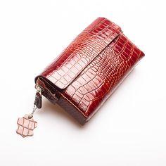 Leather Handbag by DERIBAZAAR on Etsy