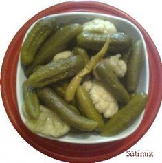 Dobálós hordós savanyúság Pickles, Cucumber, Food, Essen, Meals, Pickle, Yemek, Zucchini, Eten