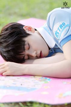 My sleepy eunwoo Astro Eunwoo, Cha Eunwoo Astro, Park Jin Woo, Astro Wallpaper, Lee Dong Min, Pre Debut, Minhyuk, Kpop Groups, Suho