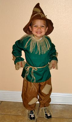 Boys Scarecrow Costume Sizes 2 thru 8 from The Wizard of Oz Toddler Scarecrow Costume, Diy Scarecrow, Toddler Costumes, Family Halloween Costumes, Boy Costumes, Halloween Kids, Costume Ideas, World Book Day Costumes, Book Week Costume
