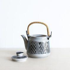 Vintage Zig Zag Teapot