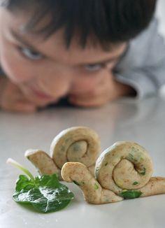 κριτσινια με σπανακι η καροτο | Real Family Food Bread And Pastries, School Snacks, Cooking Recipes, Cookies, Desserts, Breads, Food, Life, Appetizers